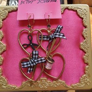 Nwt Betsey Johnson dangle earrings RARE